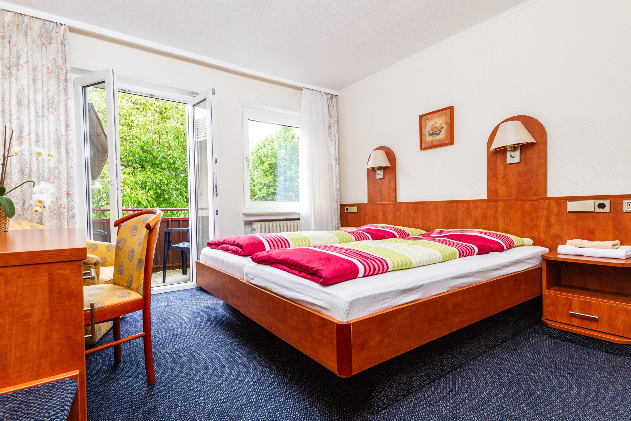 Hotelzimmer für Familien. Beistellbett optional möglich.